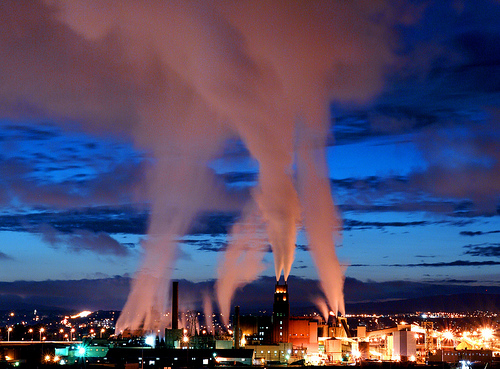 http://www.economiesolidaire.com/wp-content/uploads/2008/12/pollution-industrielle.jpg