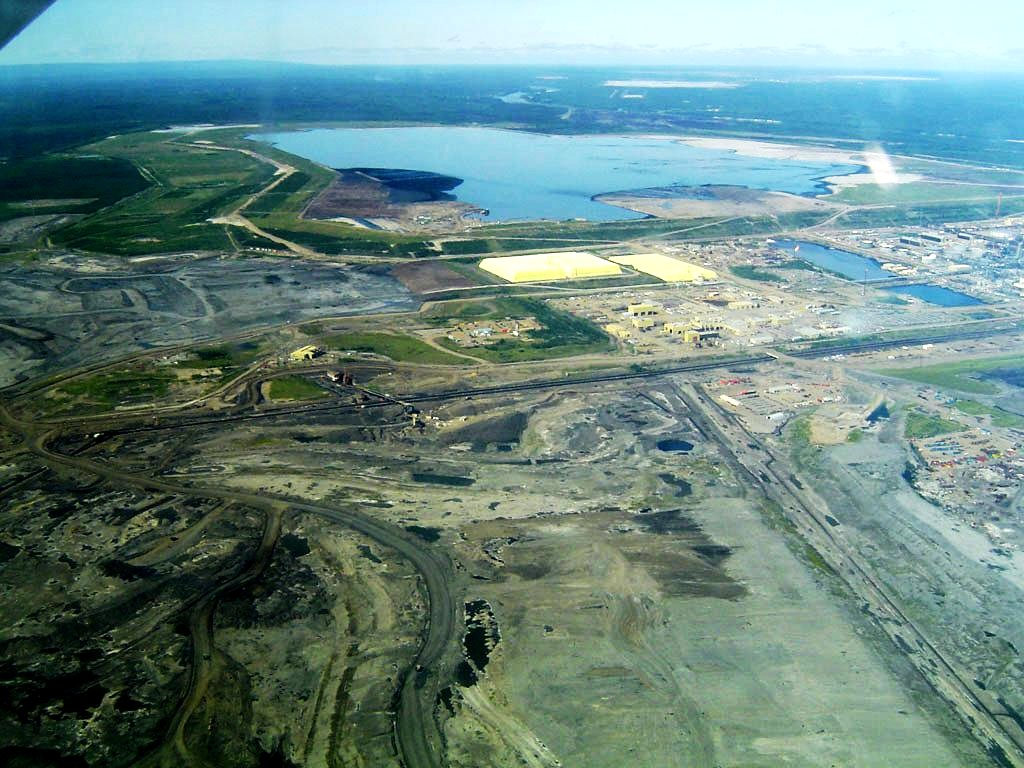 Site d'extraction des sables bitumineux